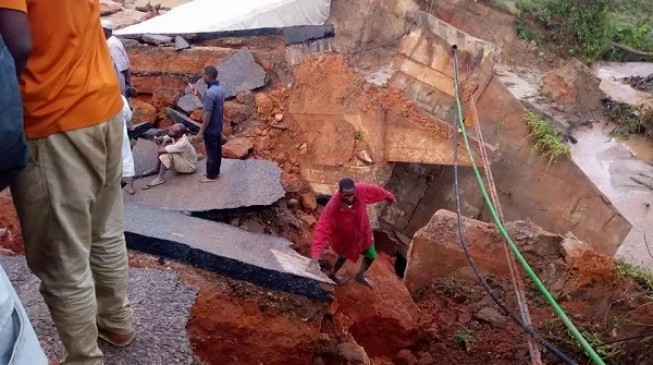 Bridge collapse: 'Hundreds' of Abuja-bound motorists caught in heavy gridlock