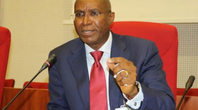 Video of Omo-Agege apologising to senators over comment on Buhari