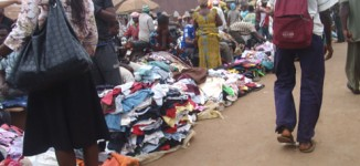 Lagos threatens to shut markets where traders display wares on the road