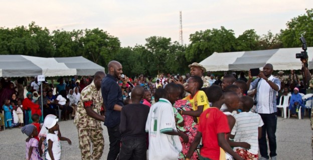 2baba pays visit to IDPs in Borno