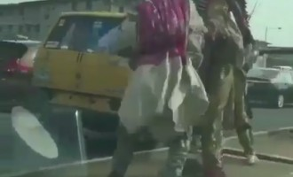 EXTRA: Two masquerades fight each other in public (video)