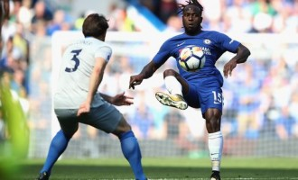 Moses on duty as Chelsea rout Everton at Stamford Bridge