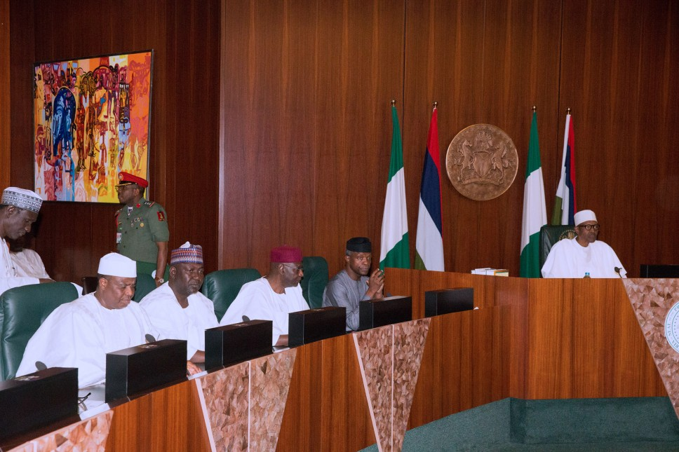 Buhari hosts governors