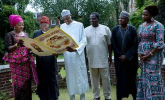 PHOTOS: Buhari laughs heartily as he hosts aides in London