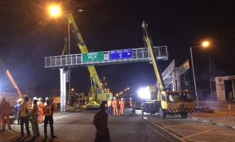 PHOTOS: Lagos removes dilapidated Fadeyi pedestrian bridge