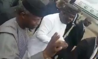 VIDEO: Gov leads residents to welcome Osinbajo at Enugu airport