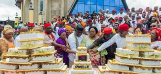 EXTRA: 'One LGA, one cake' — Imo women baptise Okorocha with 27 birthday cakes