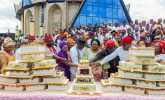 EXTRA: 'One LGA, one cake' — Imo women baptise Okorocha with 27 birthday cakes