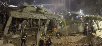 Earthquake kills hundreds in Mexico, sends buildings crashing