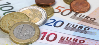 Euro pressured by political jitters
