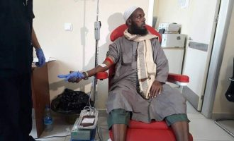 EXTRA: Co-founder of al-Shabab donates blood to victims of bomb attack
