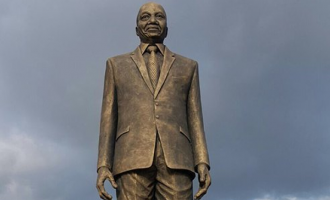 Okorocha and Jacob Zuma's statue