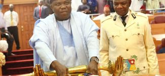 Ambode presents record N1trn budget — N254bn less than Cross Rivers'