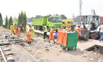 Lagos: PSP, Visionscape collaboration will rid streets of refuse