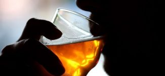 Heavy drinkers are at higher risk of dementia, study shows