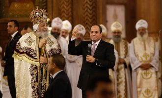 Egypt's Muslim president attends Christmas mass