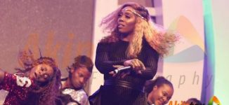 PHOTOS: Tiwa Savage, Simi, Kiss Daniel thrill crowd at Aiteo-NFF awards
