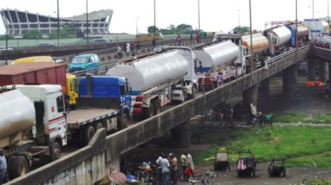 Lagos, military give truck drivers 48 hours to vacate bridges