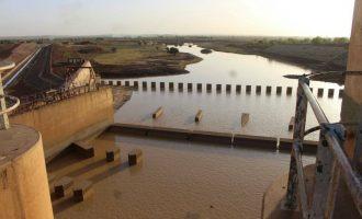 Tambuwal raises the alarm, says shrinking dam has endangered 4m people