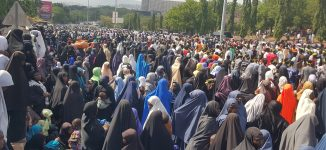 Security beefed up around national assembly as Shi'ites troop to the streets of Abuja