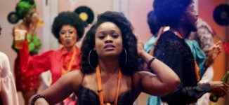 VIDEO: BBNaija star Cee-C mobbed at airport, receives N2m from fans