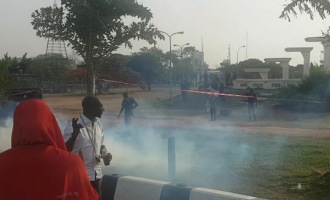 VIDEO: Police thwart #BBOG sit-out at Unity Fountain