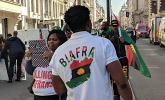 VIDEO: Biafra protesters at CHOGM ask Buhari to release Kanu