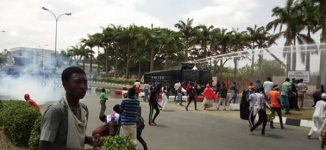 PHOTOS: Police, Shi'ites members clash in Abuja
