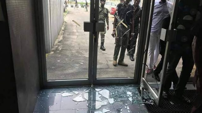 PHOTOS: The damage done by 'thugs' to Rivers court over APC crisis