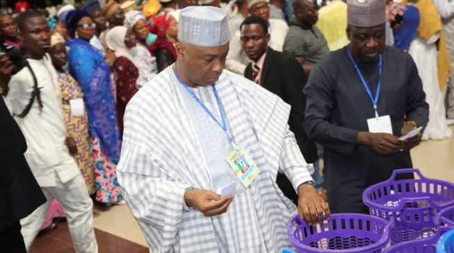 Kwara APC crisis: Faction files suit against Saraki's group