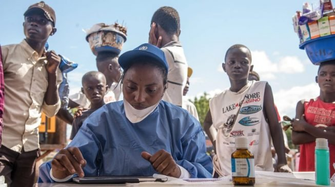 Nurse dead in Congo as Ebola vaccination campaign starts