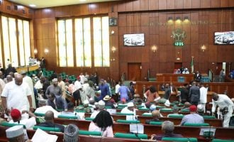 32 APC reps defect to PDP