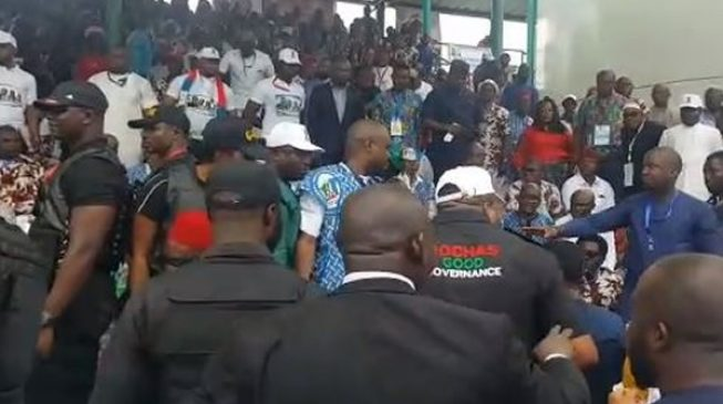 VIDEO: How Okorocha's supporters forcefully ejected Imo APC chairman from delegates' stand