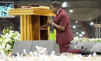 Adeboye calls on God to defend Nigeria from tragedy, sorrow
