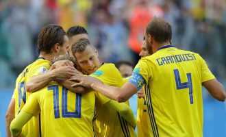 VIDEO: Lone goal takes Sweden to quarter-finals
