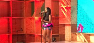 VIDEO: Simi's flawless rendition of 'Smile for Me' at Google for Nigeria