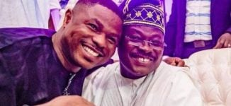 PHOTOS: Ajimobi, Ayefele warmly embrace at Olubadan's 90th birthday party