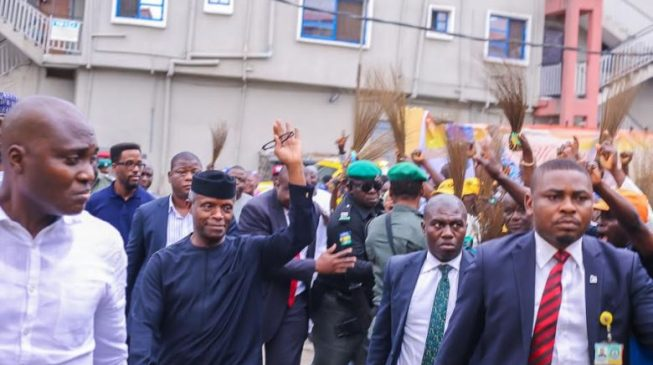 PHOTOS: Osinbajo storms Bariga on Sallah day