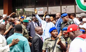 Gunshots at PDP secretariat as Atiku submits nomination form