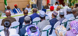 PHOTOS: Buhari meets Nigerian community in China