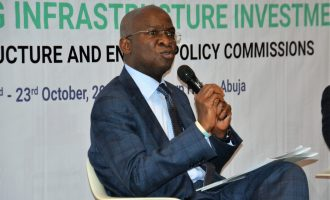 Fashola: Let's stop deceiving ourselves, Nigerian banks not ready to fund infrastructure