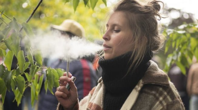 EXTRA: Canada struggling to meet demands for cannabis — weeks after legalising it