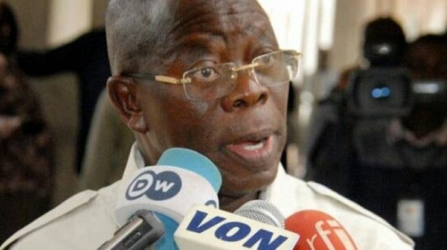 Oshiomhole on way back to Nigeria, ready to face accusers