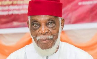 Ayo Fasanmi, Afenifere leader, is dead